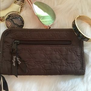 THIRTY One chocolate wallet 8 X 5 never used ❤️